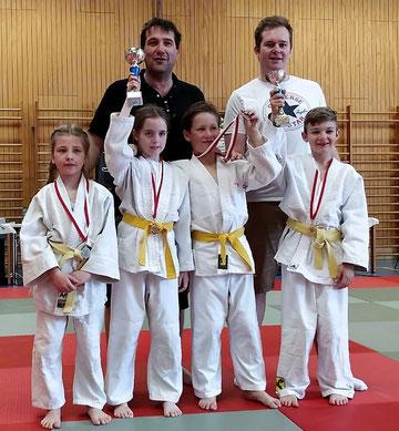 Das junge Team mit Trainer Thomas Wolf