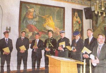 Runde Zahl an Ausgezeichneten: Diplom-Chemiker Dr. Matthias Johannes Bockmeyer (r.) wurde mit der 100. Klinggräff-Medaille geehrt.