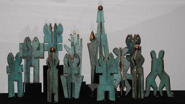 """Installation """"Kommunikation"""" von Edwin Partoll, 13 Bronzeskulpturen"""
