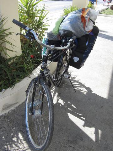 Das völlig überladende Fahrrad