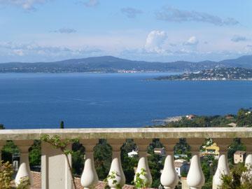 Blick von der Terrasse (Südlage) über die Bucht von St. Tropez