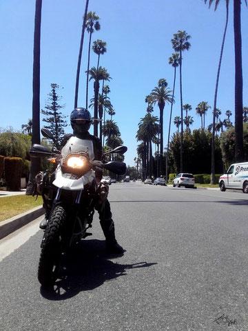 Auf Motorradtour durch Beverly Hills