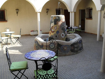 the Al Pati bed and beakfast PATIO with its fountain