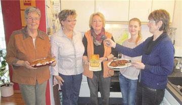 V. l.: Katharina Neideck, Sigrid Schug, Betty Arndt, Katsiaryna Frank und die Reporterin Martina Gonser.Martin Quandt
