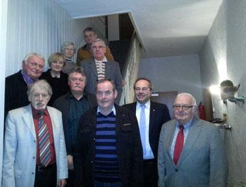 Der Neugewählte Vorstand der AG 60 plus Stemwede (untere reihe v.r.) Vorsitzende Günter Bohne, Landrat Dr. Ralf  Niermann, Wilfried Martlage, Paul Lahrmann, (2.reihe v.l.)Giselbert  Melcher, Irmgard Voges, Wolfgang Barzantny, Reinhold Gralla (oben v.l.) I