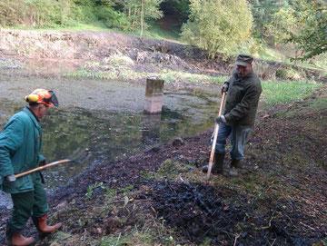 Arbeiten am Amphibienteich