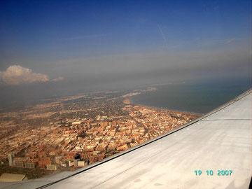 Blick aus dem Flieger über Valencia, www.birgitta.es