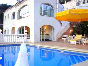 Villa Gandia Hills mit Ferienwohnung (untere Etage)