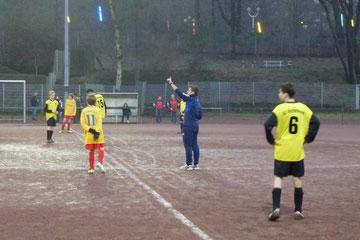 Anpfiff des souveränen Unparteiischen Sebastian Tautz im Spiel der C-Jugend gegen SC Frintrop, Endstand 8:0 (Foto: mal).