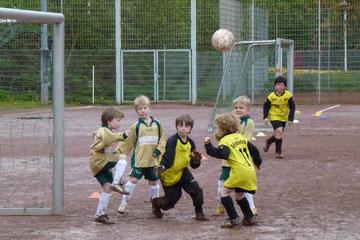 Ecke: F3 im heutigen Spiel gegen die F7 der SG Schönebeck (Foto: mal).