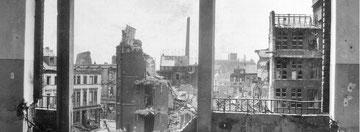 Am 14. und 15. Oktober 1944 warf die Royal Air Force bei drei Angriffen auf Duisburg 9000 Tonnen Bomben ab. 3500 Menschen wurden getötet. Im Bild: das Vincenz-Hospital. Foto: Zeitzeugenbörse Duisburg