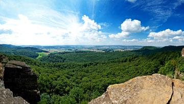 Blick vom Hohenstein auf das  Wesertal
