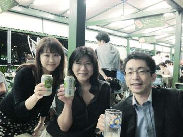 左から まりりん・ふきちゃん・梅澤です