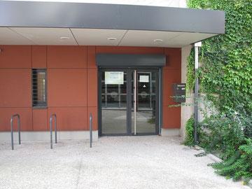 Entrée du Centre Sportif Chorier BerriatAccès par la rue Henry Le Chatelier