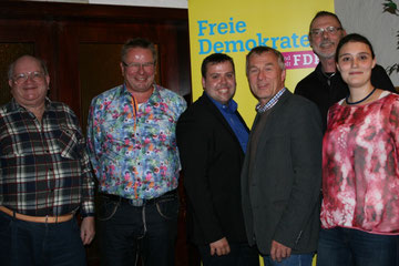 von rechts: Miriam Raad, Tobias Mährlein, Carlo Schaller, Tobias Claßen, Wolfganga Milaz, Heino Dittmayer