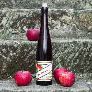 Schlegelflasche aus dem Jahr 1931 mit Apfelwein-Etikett