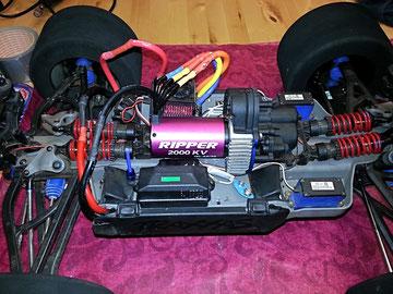 Thunder Tiger Ripper ACE IBL 40/20 2000kv Brushless Motor in Traxxas E-Revo