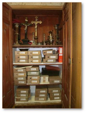 Blick in einen der vielen Archivschränke