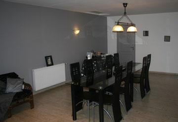 Salle à manger de l'étage du Blockhaus de domleger