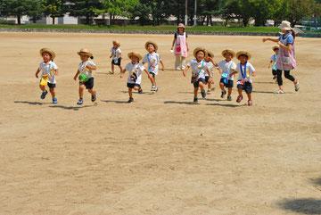 男の子チームで走ります。