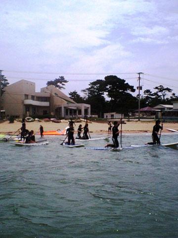 グループで、海を回遊する楽しさを体験できるのは手軽なSUPが一番