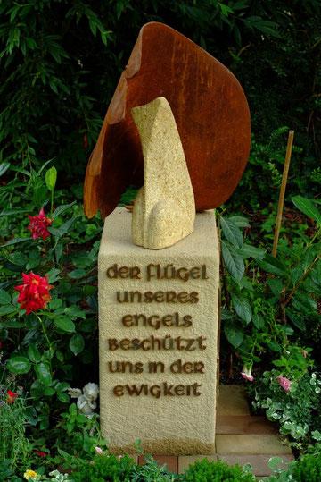 Grabstein hergestellt von Kai Wolf