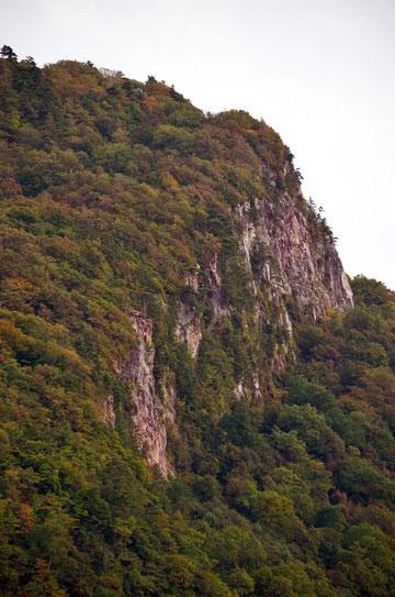 御倉半島の崖