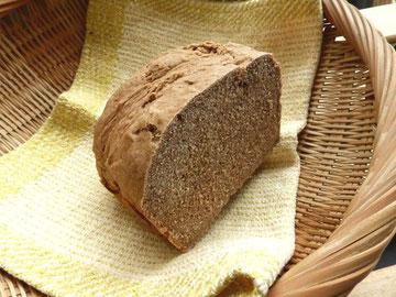北海道産・強力粉に比べると硬め、しっかり歯ごたえパンに仕上がります