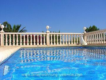 Pool der Ferienwohnung Valencia, Spanien