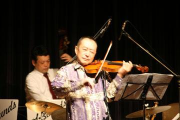 斎藤ネコさんの熱い演奏!
