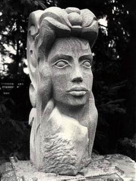 Kopf eines Riesen, Skulptur, Sandstein