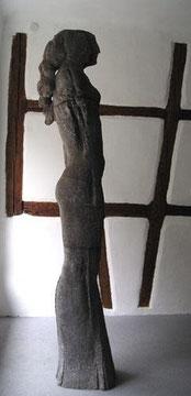 Dortmunder weibliche Stele, Bronze, H: 245cm