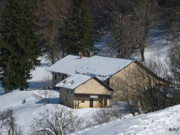 Les bâtiments de La Thuile en hiver