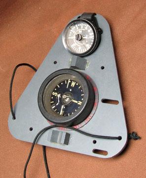 Un autre modèle avec profondimètre Spiro et compas d'une génération différente