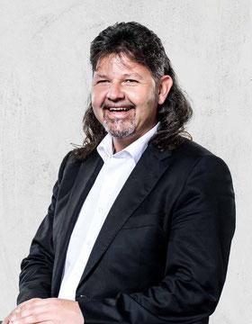 """Volker Kaffenberger, Küchenspezialist Möbelschreiner<br>Telefon: 06201 - 84 500 30<br>volker.kaffenberger@kuechenstudio-proform.de<div class=""""filter"""">Verkaufsteam</div>"""