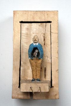 Kiste Zum Ziehen - Mann mit Eule im Bauch  I  Pappelholz bemalt  I  Privatbesitz