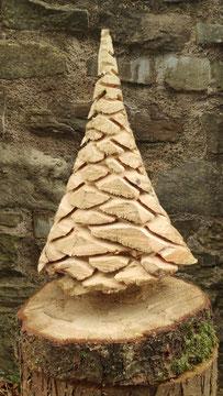 Typ 1: Sehr filigraner Baum mit vielen Ästen und gleichmäßiger Gesamtform
