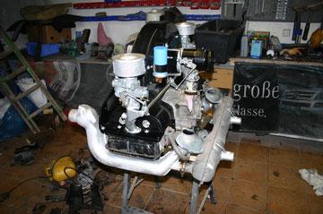 Der Auspuff vom Industriemotor mußte noch mit 2 Rohren für die Endrohre versehen werden.