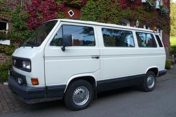 VW T3 Caravelle GL von 1989 mit elektrischer Schiebetür und reichhaltiger Ausstattung