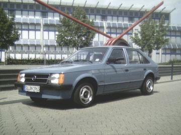 Opel Kadett 1.2S Berlina, Rostfreier Originalzustand, Erstlack, nachweisbare 28000 km