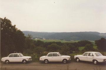 Die weiße Flotte BMW 1600, BMW 1602 und ein Strich 8 Benz