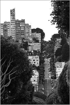 California (USA) - San Francisco - View of Lombard Street