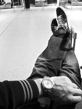 Paris - Aereoporto di Beauvais - Un quarto a mezzanotte - Un quarto d'ora prima di scoprire che l'aeroporto non permette di passare la notte nella sala d'attesa!