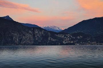 Alba al Lago d'Iseo
