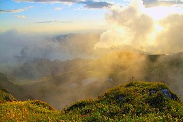 Alpeggi sul M. Guglielmo - La nebbia si avvicina