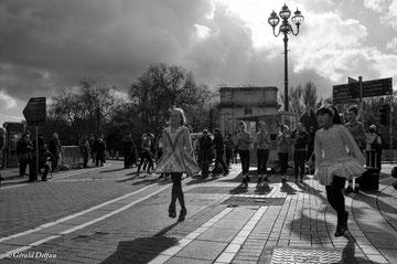 Danseuses irlandaise en herbe à Dublin à la Saint-Patrick