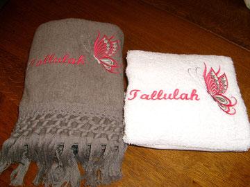 drap de bain et serviette éponge brodés pour Talulah