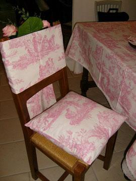 tour de chaise et coussin pour le mariage de Frida Maria  en FINLANDE