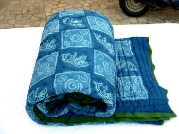 Quilt (colcha) azul