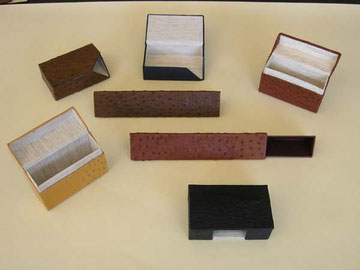 Mit den neuen Werkzeugen gefertigte Produkte aus der Buchbinderei